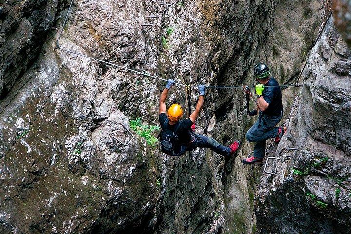 Klettersteig Zirbenwald : Klettersteig pirchhütt